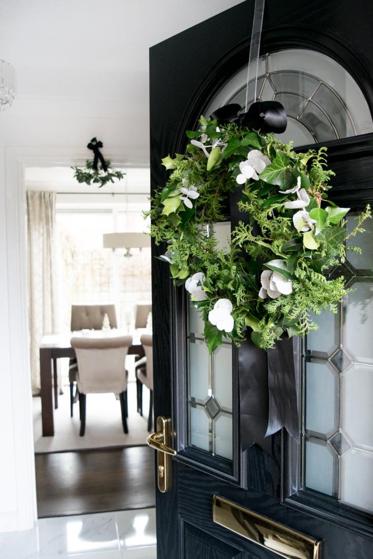 Wreath hallway 2