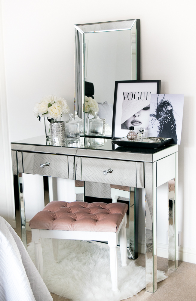 dressing table chelsea prints 2