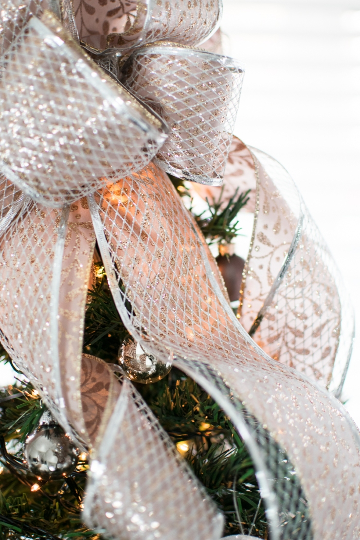 Tree topper ribbon